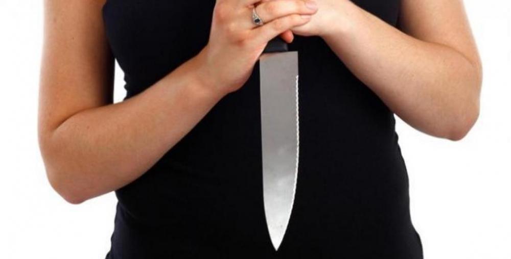 Бывшая любовница убила воронежца ножом и позвонила маме
