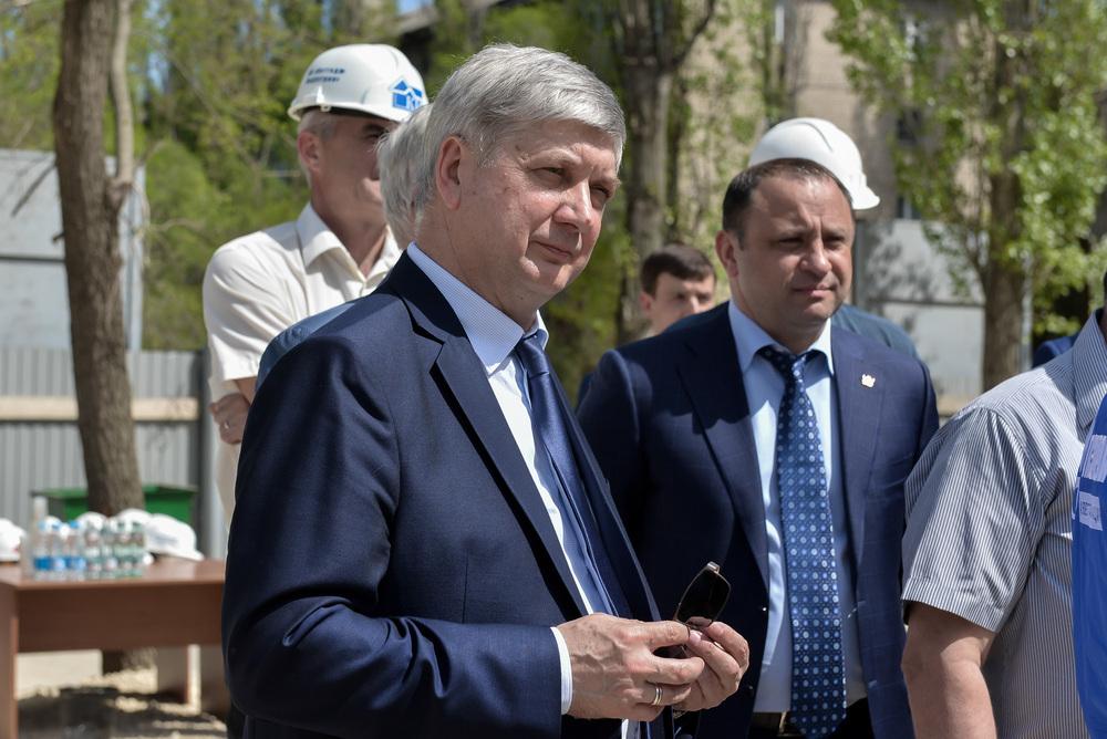 Гусев взлетел до небес на апрельской бирже губернаторов