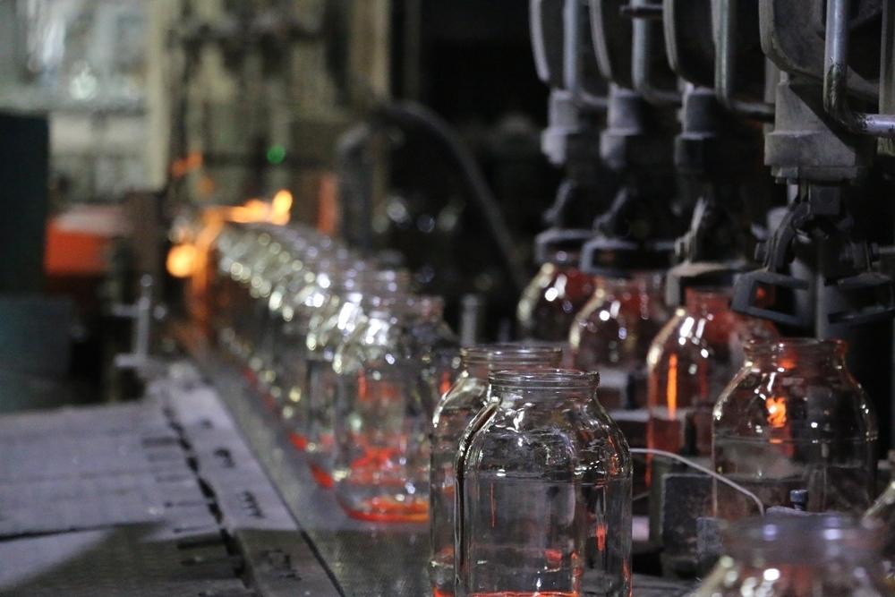 Головную фирму Воронежского стеклотарного завода хочет обанкротить контрагент