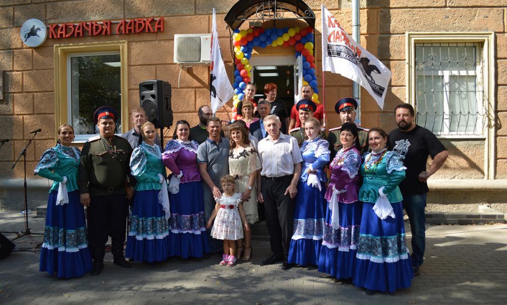У Благовещенского собора Воронежа открылся казачий магазин