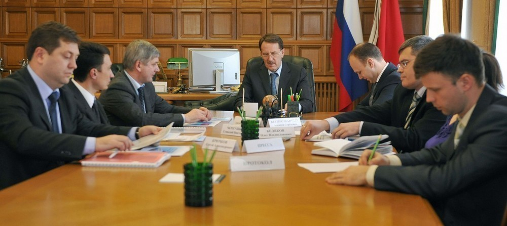 Губернатор Гордеев позвал и.о. мэра Чернушкина обсудить, на каких автобусах будут ездить воронежцы (ФОТО)