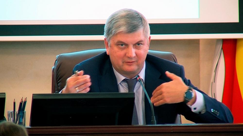 Гусев пообещал воронежскому малому бизнесу поддержку в 200 млн рублей