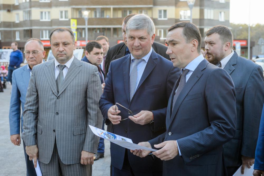 Гусев призвал чиновников продолжить архитектурное наследие Троицкого в Воронеже