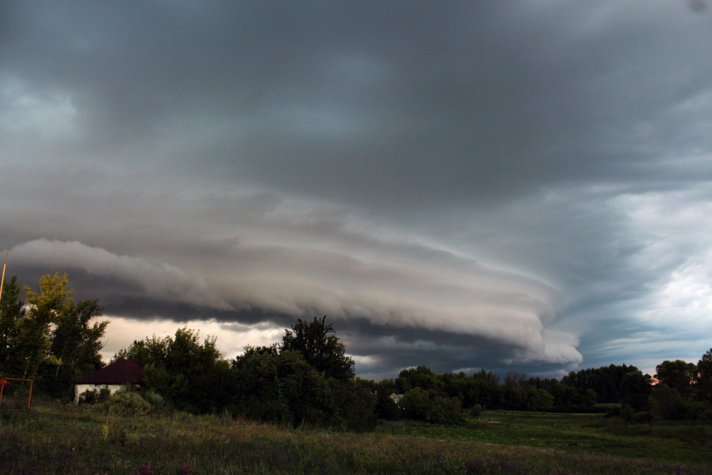 Апокалиптические облака люди приняли за НЛО в Воронеже