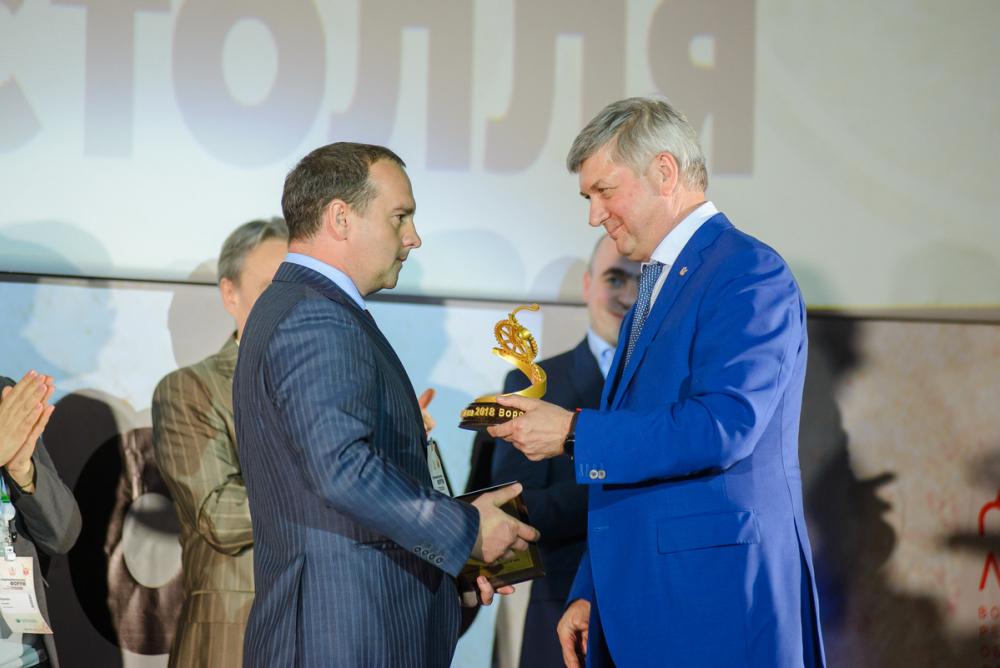В Воронеже Гусев наградил победителей премии Столля-2018