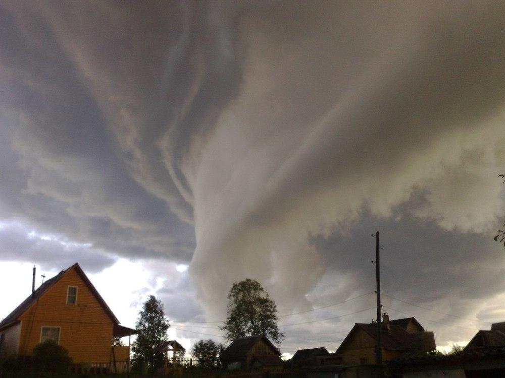 Фотографиями аномальных облаков делятся в Сети воронежцы