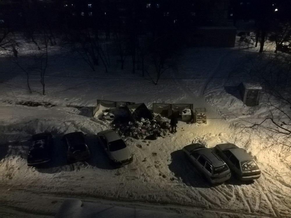 Воронежцы гадают о происхождении мусорного апокалипсиса на проспекте Труда