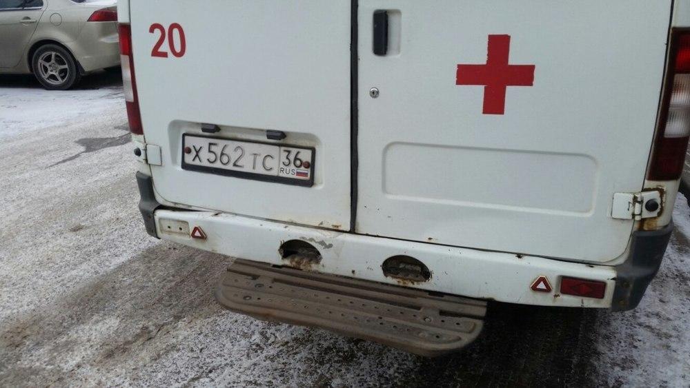 Убогое состояние машины скорой помощи сняли на видео в Воронеже