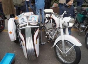 На воронежской выставке ретро-автомобилей в День Победы горожан сразил немецкий «Simson»