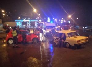 В Воронеже опубликовано фото последствий лобового столкновения «Фолксвагена» с ВАЗом