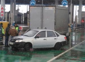 Загадочное ДТП на терминале М4 «Дон» сняли под Воронежем