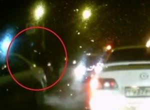 На видео попало, как иномарка сбивает женщину на перекрестке в Воронеже