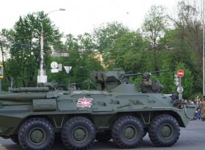 Очередная репетиция Парада Победы в Воронеже вызвала дискуссию о положении дел в стране