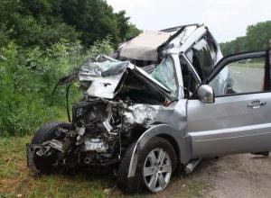 Водитель внедорожника погиб после опрокидывания в кювет на воронежской трассе