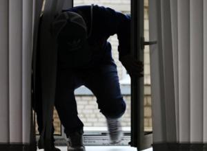В Воронеже бомж ограбил тату-салоны на 800 тысяч рублей