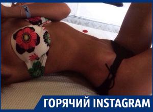 Плоским животиком похвасталась жительница Воронежа в нижнем белье