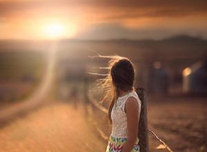 Глухонемую школьницу из саратовского интерната нашли в воронежском селе