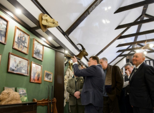 На открытии первого музея охоты в Воронежской области Алексей Гордеев рассуждал о развитии глубинки