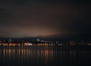 Яркие огни ночного города заворожили воронежцев