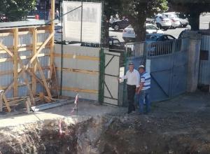 Почему чиновники позволили меценату Бубнову впихнуть стройку между памятниками культуры в центре Воронежа