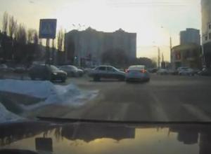 В Воронеже момент неловкого ДТП на Заставе сняли на видео