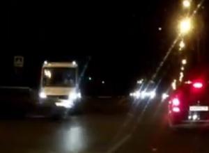 Момент массового ДТП с маршруткой в Воронеже попал на видео