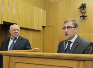 Сформированный в «молодежных игрищах» депутат Зубков прокачался от «Жигулей» до «Ниссана»