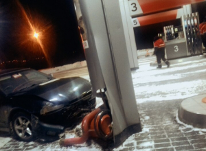 «Недовольный ценами на бензин» воронежец врезался в заправку