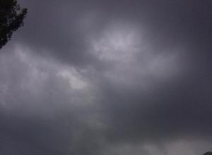 Сильнейший ливень в Воронеже: автомобилисты не видят дороги