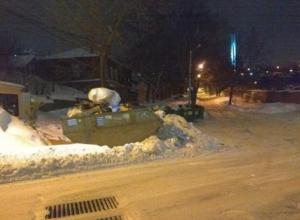 Воронежцы разозлились на убравшего снег тракториста