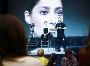 Визажист модного дома Юдашкина в Воронеже рассказал о главных ошибках в макияже