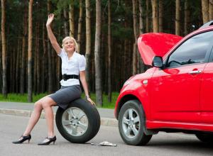 Только 40% воронежских водителей готовы помочь девушке на дороге
