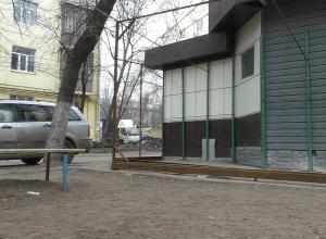 Воронежский бизнесмен решил расширить павильон за счет детской площадки