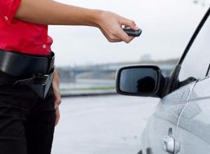 Воронежцев предупредили об автоворах, «читающих» сигнализации на парковке