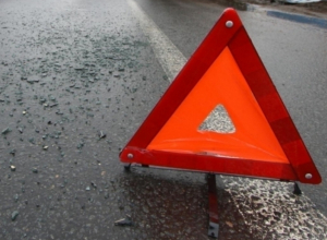 В столкновении BMW X5 и Renault на Левом берегу Воронежа пострадали три женщины