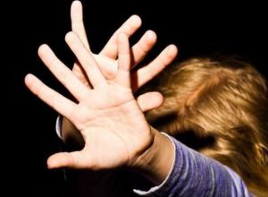 Воронежского деда-педофила будут судить за изнасилование 8-летней внучки