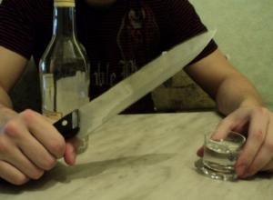 Пьяный мужчина зарезал 18-летнего пасынка в Воронежской области
