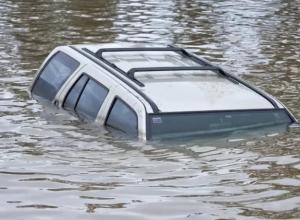 Под Воронежем легковушка съехала в пруд – погибли две женщины и 12-летняя девочка