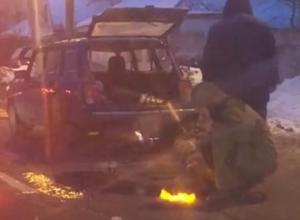 Скромный ремонт дорог газовой горелкой сняли на видео в Воронеже