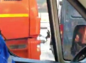 Авария с мусоровозом собрала километровую пробку в Воронеже