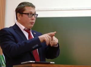 «Слив» нарисованных зарплат в ВГУ грозит скандалом ректору Ендовицкому