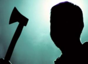 Неадекватный воронежец с топором устроил дебош в «Пятерочке», а после умер в наручниках