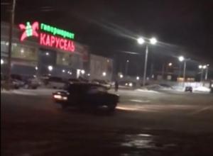 Возмущенные воронежцы сняли на видео дрифт «Жигулей» на парковке