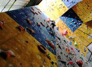 Подросток-скалолаз упал с высоты в Воронеже