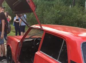 Воронежцы сделали из старых «Жигулей» красный «Ламборгини»