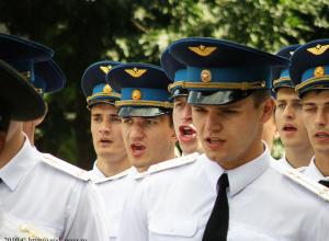 Из-за выпускного ВАТУ центр Воронежа парализовали пробки