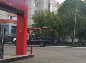 Эвакуаторы затерроризировали двор в Северном микрорайоне Воронежа