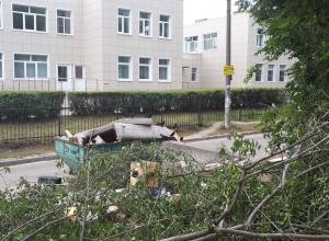 Воронежцы рассказали об ароматах переполненной мусорки у детского садика