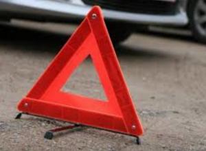 В ДТП с большегрузом пострадали пять человек, двое из них дети