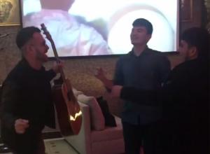 Веселая тусовка кавказцев в воронежской кальянной попала на видео